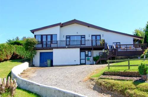 Snaptrip - Last minute cottages - Attractive Aberystwyth Cottage S6737 -