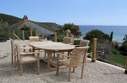 Snaptrip - Last minute cottages - Lovely Penzance Cottage S6738 - Outside dining area