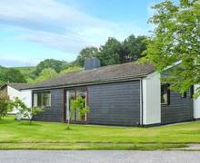 Snaptrip - Last minute cottages - Gorgeous Saltash Lodge S6751 -