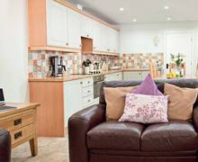 Snaptrip - Last minute cottages - Gorgeous Consett Cottage S6773 -