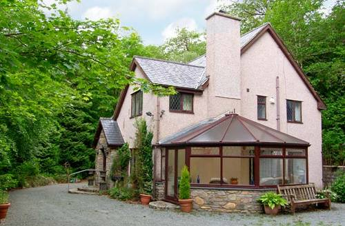 Snaptrip - Last minute cottages - Wonderful Dolgellau Cottage S6780 -