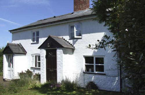Snaptrip - Last minute cottages - Wonderful Kingstone Cottage S6817 -