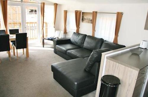 Snaptrip - Last minute cottages - Charming Weston On Trent Lodge S55370 - Typical Loxley Greenwood