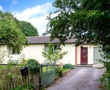 Snaptrip - Last minute cottages - Wonderful Stanton Upon Hine Heath Lodge S6831 -