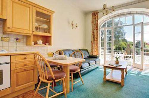 Snaptrip - Last minute cottages - Lovely Camborne Lodge S55445 - Coach House Apartment