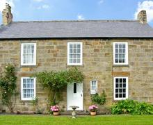 Snaptrip - Last minute cottages - Inviting Mitford Cottage S6838 -