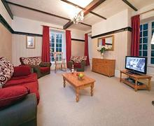 Snaptrip - Last minute cottages - Adorable St Tudy Lodge S55523 - Secret Garden