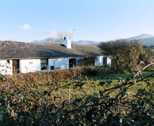 Snaptrip - Last minute cottages - Quaint Penisarwaun Cottage S6850 -