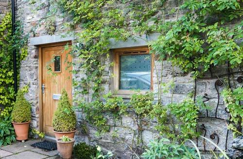 Snaptrip - Last minute cottages - Inviting Crosby Garrett Cottage S6852 -