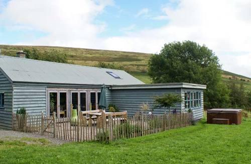 Snaptrip - Last minute cottages - Exquisite  Cottage S6856 -