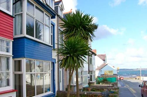 Snaptrip - Last minute cottages - Quaint Rhosneigr Cottage S6861 -