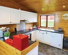Snaptrip - Last minute cottages - Gorgeous Milford On Sea Lodge S55675 - Typical Superior Lodge Xtra 2