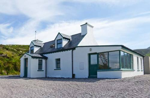 Snaptrip - Last minute cottages - Luxury  Cottage S6874 -