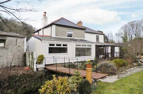 Snaptrip - Last minute cottages - Excellent Bridge Cottage S6884 -