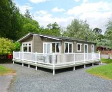Snaptrip - Last minute cottages - Beautiful Troutbeck Bridge Lodge S6912 -
