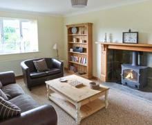 Snaptrip - Last minute cottages - Wonderful Hunmanby Cottage S6934 -
