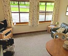 Snaptrip - Holiday lodges - Cosy Sewerby Lodge S55953 - Percheron Cottage