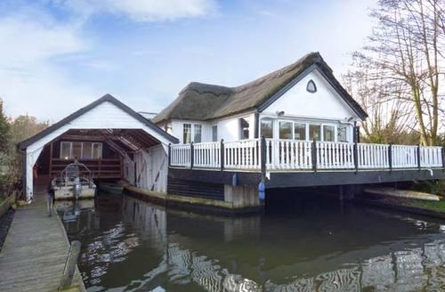 Snaptrip - Last minute cottages - Adorable Wroxham Cottage S6953 -