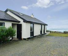 Snaptrip - Last minute cottages - Luxury Ennis Cottage S6957 -