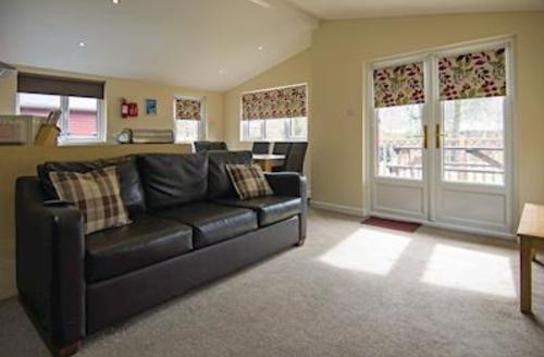 Snaptrip - Last minute cottages - Gorgeous Lake Windermere Lodge S56287 - Typical Silver Lodge<br />