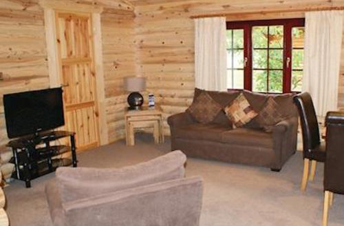 Snaptrip - Last minute cottages - Captivating Nr Morpeth Lodge S56627 - Typical Sweethope Lodge