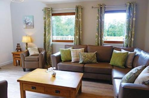 Snaptrip - Last minute cottages - Attractive Newton Stewart Lodge S56720 -