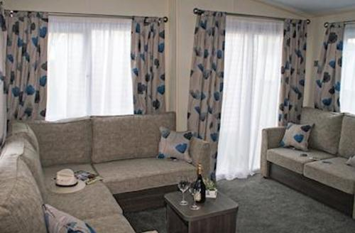 Snaptrip - Last minute cottages - Captivating Newquay Lodge S56807 - Whipsiderry Platinum 2