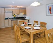 Snaptrip - Last minute cottages - Exquisite Dawlish Warren Lodge S57028 - Typical Redrock 3