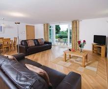 Snaptrip - Last minute cottages - Charming Dawlish Warren Lodge S57032 - Typical Redrock 2