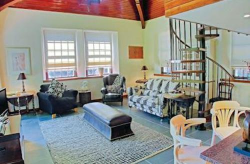 Snaptrip - Last minute cottages - Splendid Kirkmichael Lodge S57123 - Loft Studio