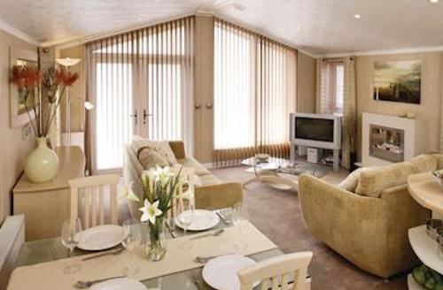 Snaptrip - Last minute cottages - Delightful Sandford Lodge S57134 - Typical Sandbanks Lodge