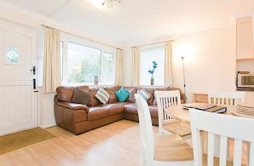 Snaptrip - Last minute cottages - Captivating Perranporth Lodge S57170 - Typical Bredon Bungalow