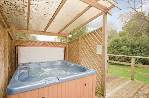 Snaptrip - Last minute cottages - Delightful Perranporth Lodge S57171 - Typical Bredon Bungalow Plus