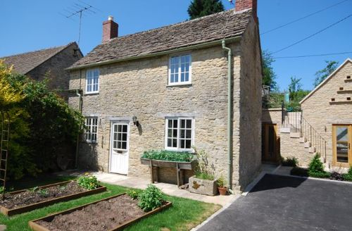 Snaptrip - Last minute cottages - Wonderful Cirencester Cottage S7171 -