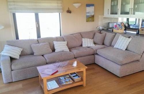 Snaptrip - Last minute cottages - Cosy Salcombe Lodge S57322 - Typical Field View Lodge