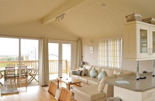 Snaptrip - Last minute cottages - Excellent Salcombe Lodge S57323 - Ocean Blues Lodge