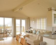 Snaptrip - Last minute cottages - Excellent Salcombe Lodge S57323 - Ocean Blues Lodge
