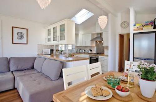 Snaptrip - Last minute cottages - Captivating Salcombe Lodge S57325 - Cornstalk Lodge