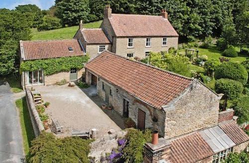 Snaptrip - Last minute cottages - Charming Scarborough Cottage S57347 -