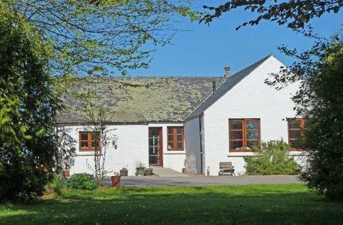 Snaptrip - Last minute cottages - Splendid Dingwall Cottage S7340 -