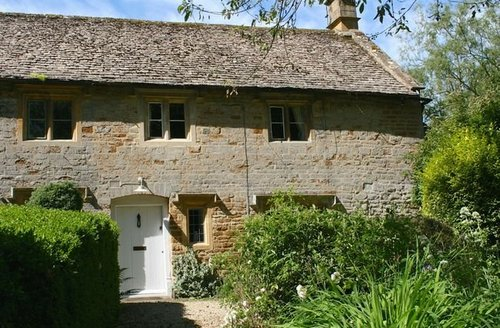 Snaptrip - Last minute cottages - Delightful Moreton  In  Marsh Cottage S7447 -