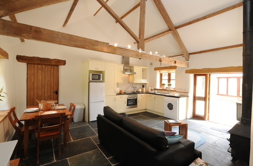 Snaptrip - Last minute cottages - Wonderful Chulmleigh Dairy S982 -
