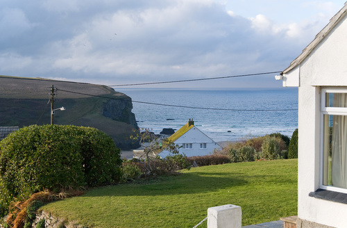 Snaptrip - Last minute cottages - Delightful Newquay View S995 -