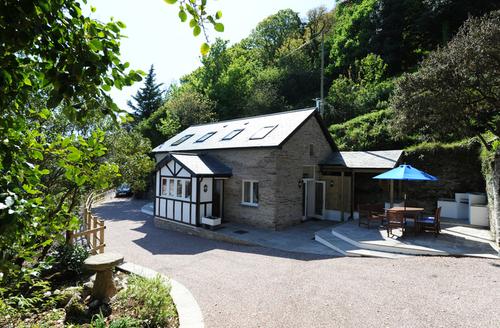Snaptrip - Last minute cottages - Splendid Ilfracombe Cottage S1018 -