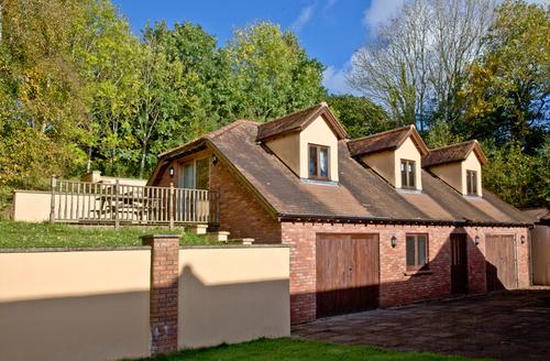 Snaptrip - Last minute cottages - Lovely Paignton Cottage S1058 -