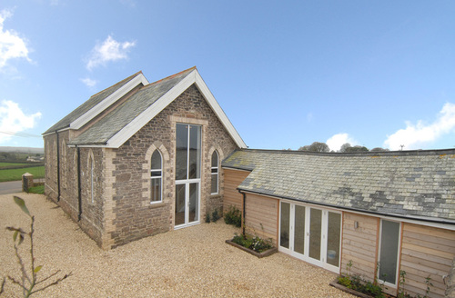 Snaptrip - Last minute cottages - Lovely Crediton Chapel S1040 -