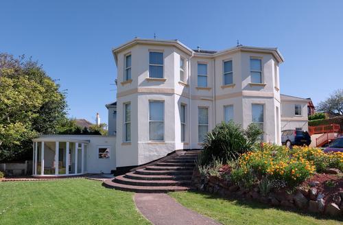 Snaptrip - Last minute cottages - Superb Paignton Manor S1089 -