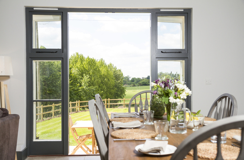 Snaptrip - Last minute cottages - Delightful Blandford Forum Barn S1073 -