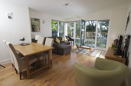 Snaptrip - Last minute cottages - Excellent Weymouth View S1097 -