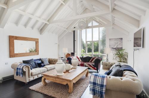Snaptrip - Last minute cottages - Splendid Paignton Barn S1107 -